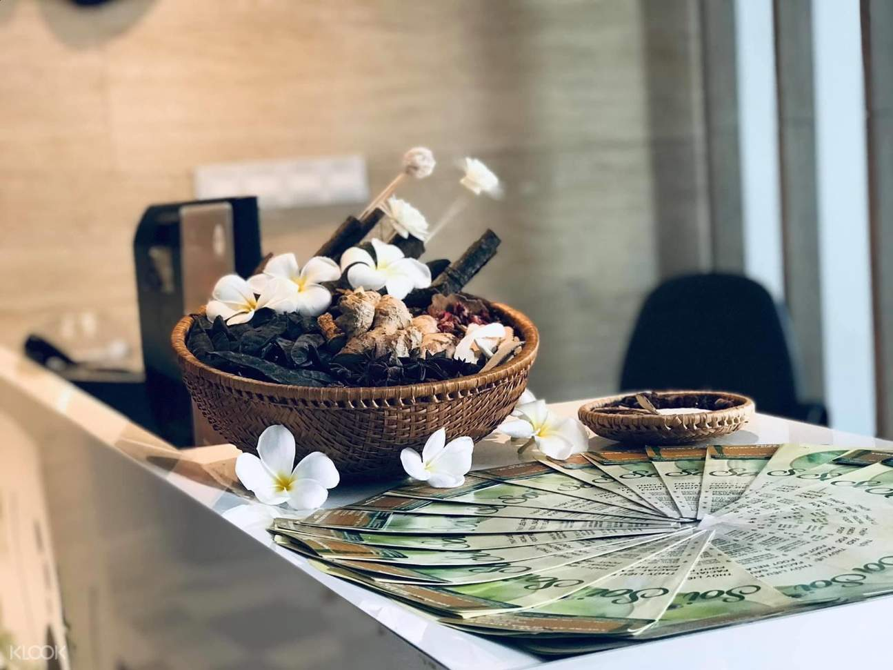 Treat yourself and your loved ones to the ultimate pampering experience in the heart of Saigon at Soi Spa