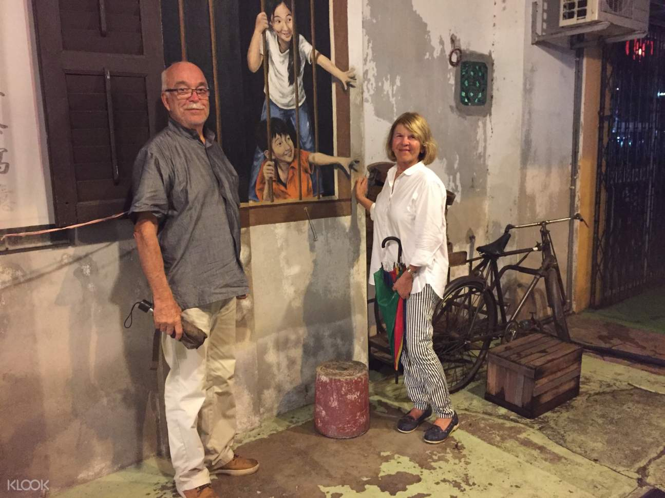 couple in the streets of penang