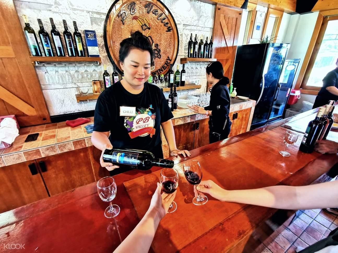 pb valley vineyard and wine tasting tour in khao yei