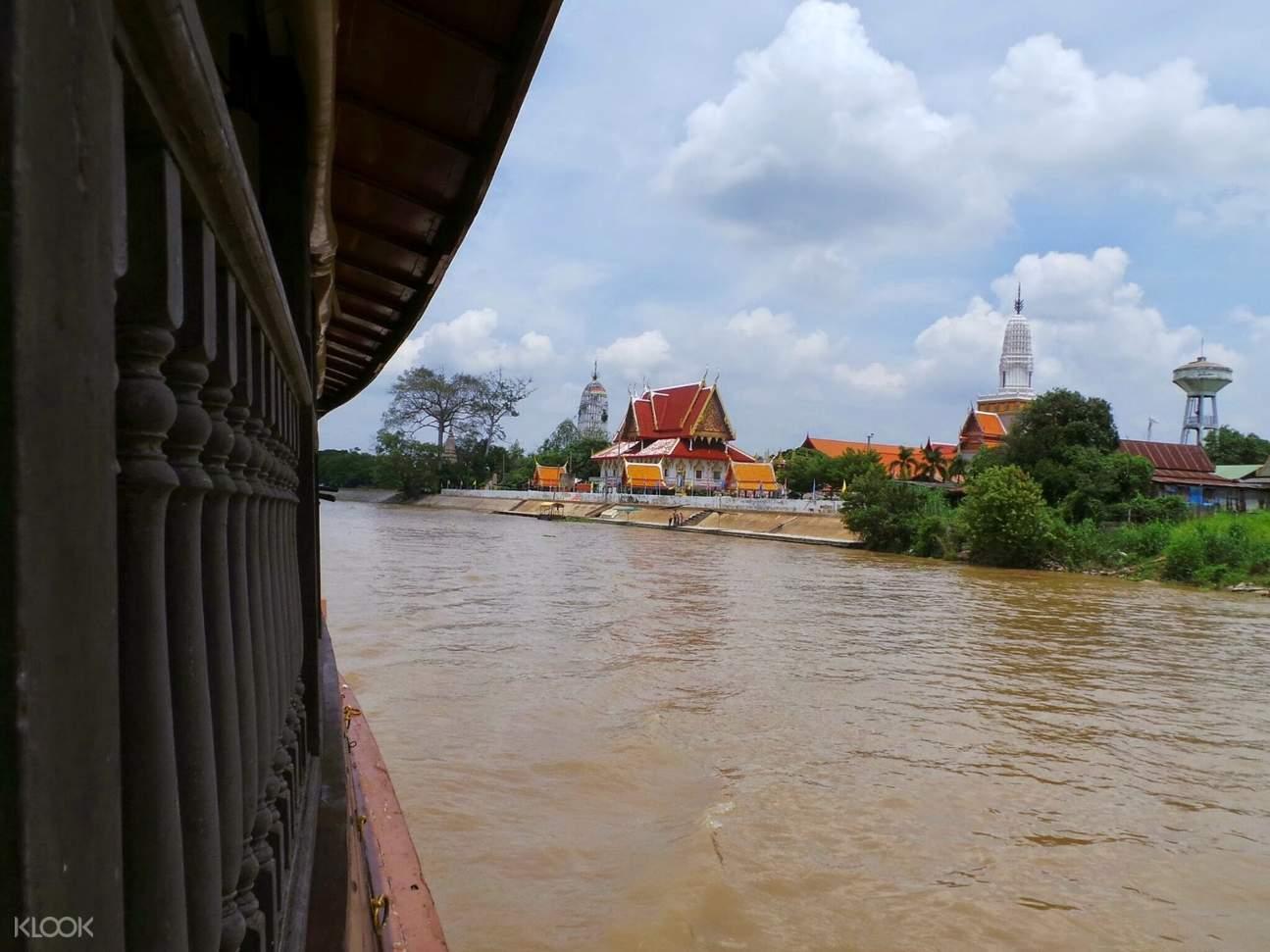 Cruise along the Chaophraya River in Ayutthaya