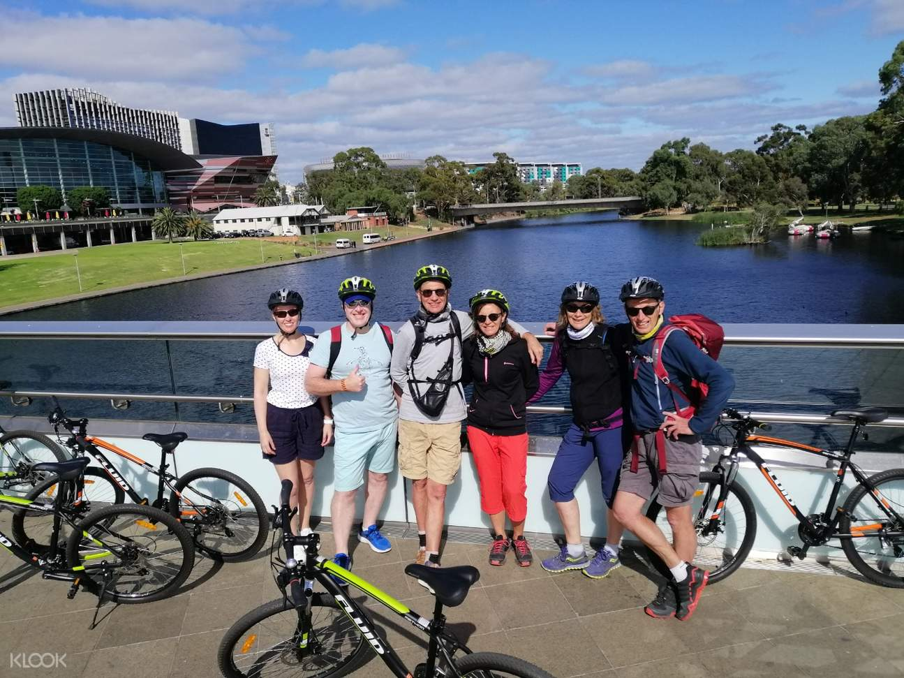 group photo of a bike tour in adelaide