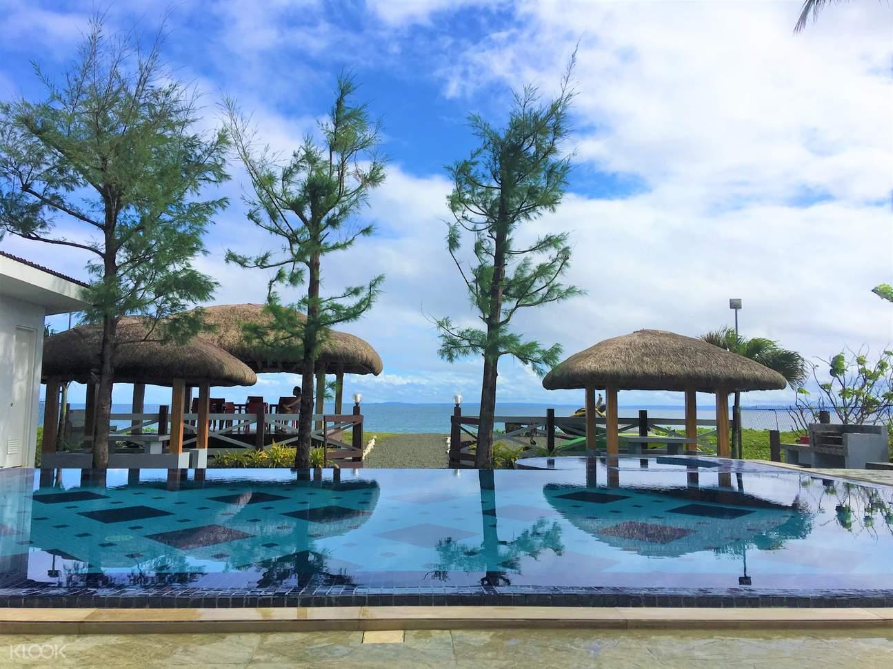 Infinity Pool at Tres Pinos Beach Resort
