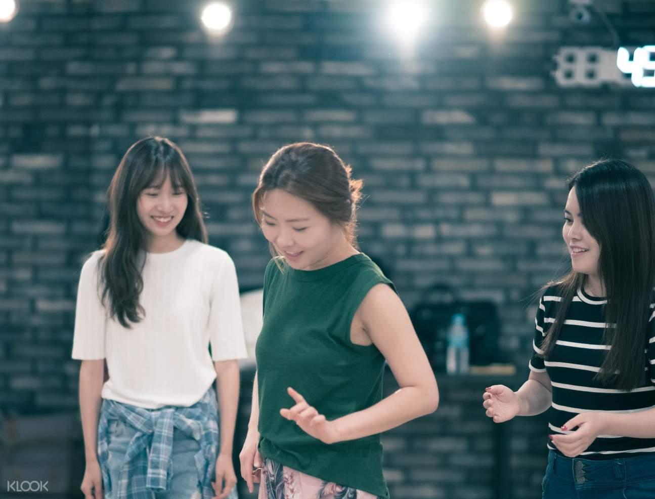 kpop beginner class fanxy studio