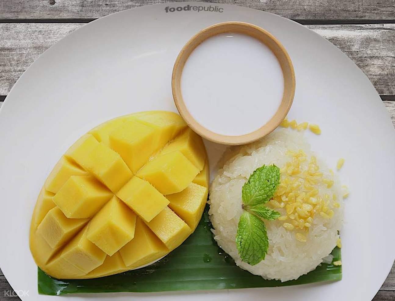 mango stick rice Food Republic Siam Center