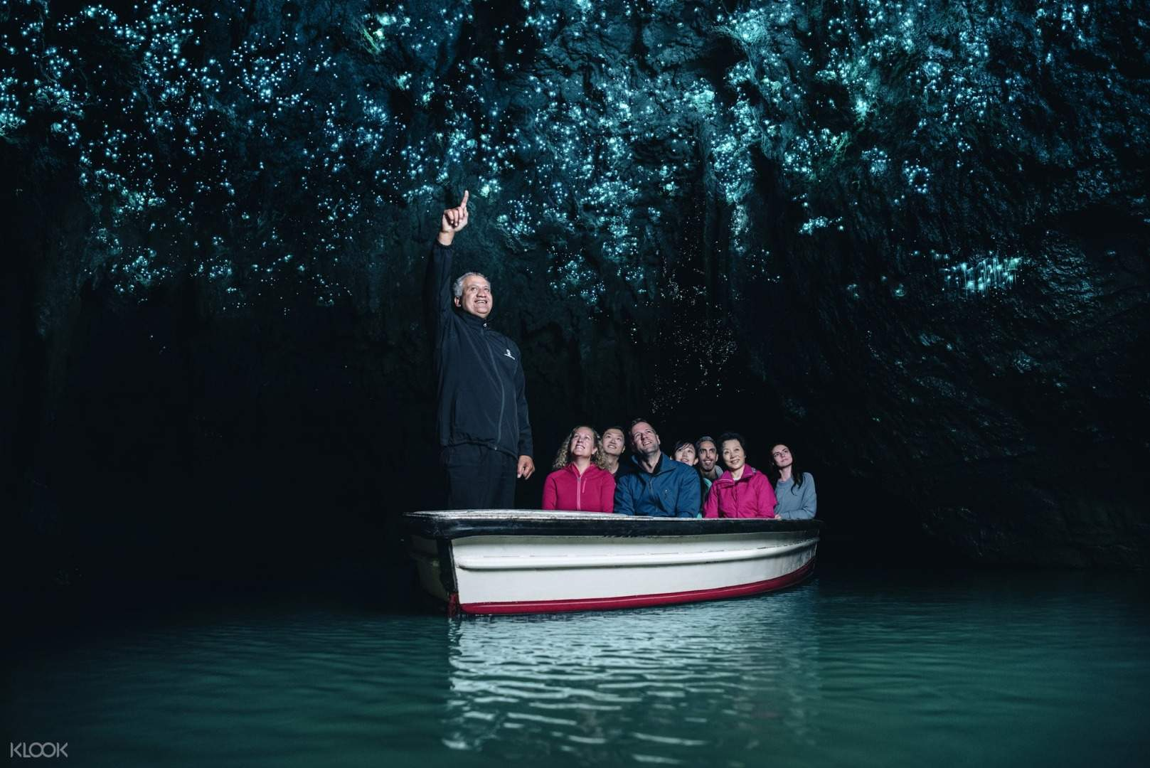 พาไปดูหนอนเรืองแสง ที่ถ้ำไวโตโมโกลว์วอร์ม นิวซีแลนด์