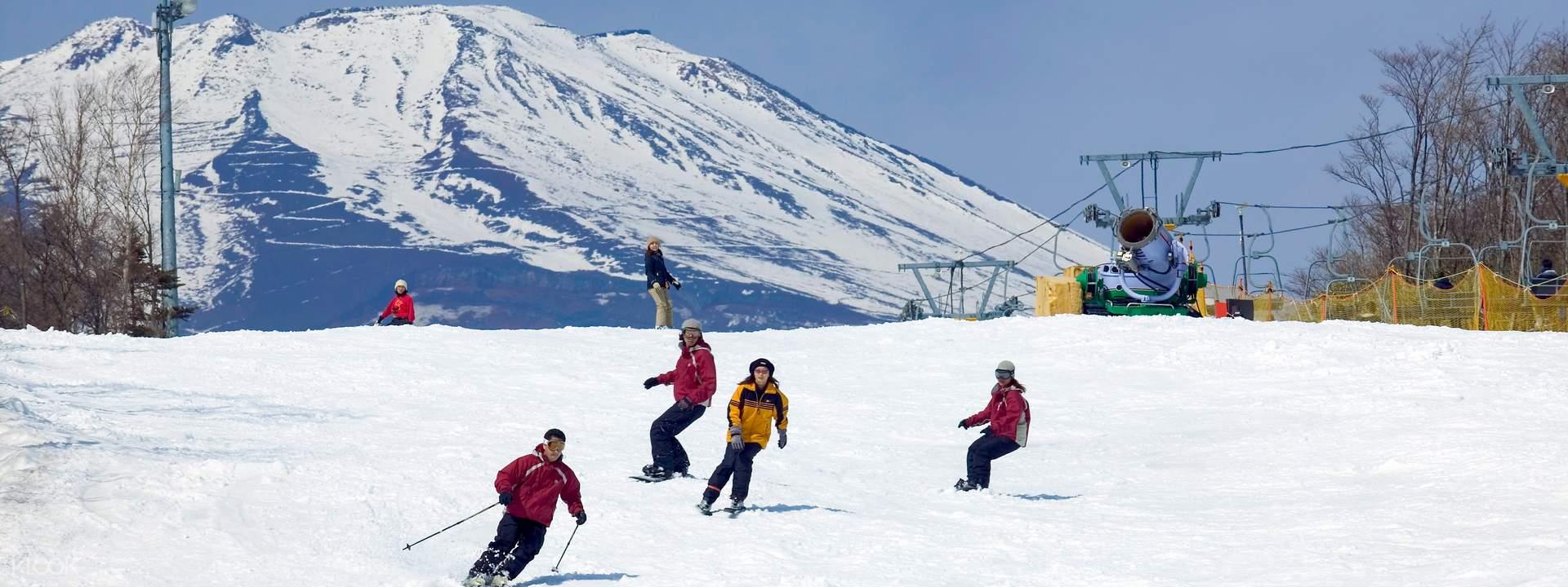 【富士山滑雪】Snowtown Yeti滑雪體驗 + 新宿往返交通巴士 - KLOOK客路