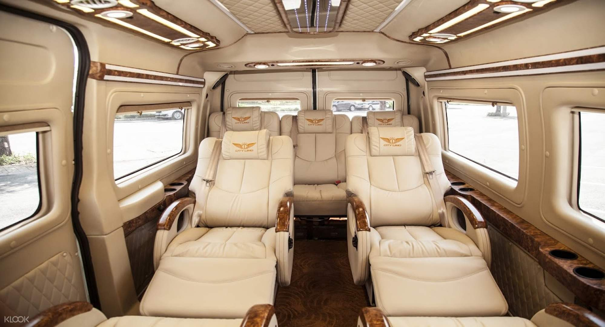 Shared Limousine Transfers between Ho Chi Minh City and Phnom Penh