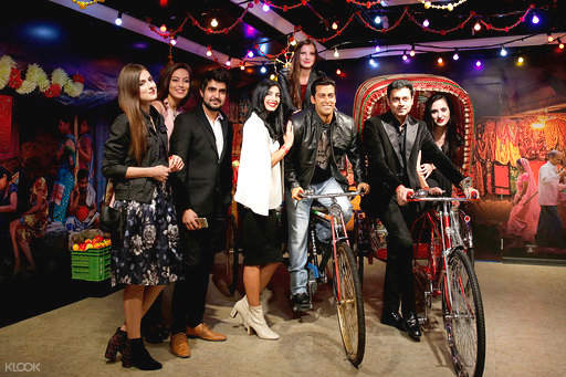 bollywood star in madame tussauds delhi