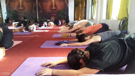 曼德拉工作室瑜伽课