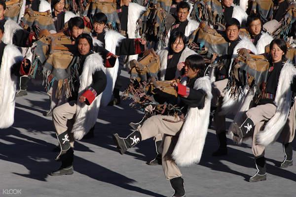 Lijiang Impression show locals