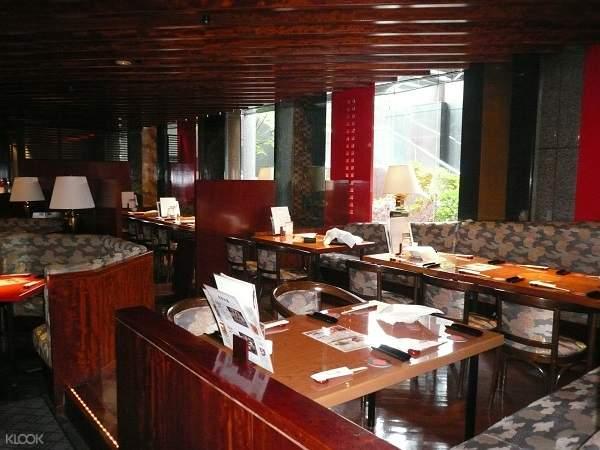 Hanayuzen Restaurant interior