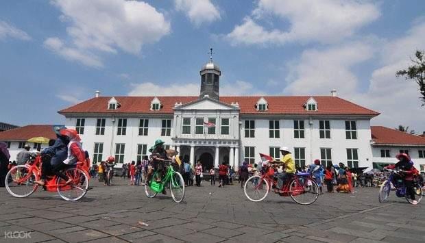 Jakarta bike tour