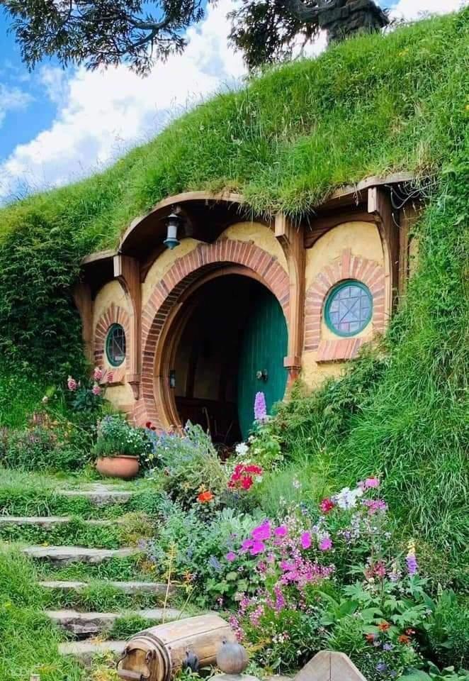 Hobbit houses in Villa Jovita