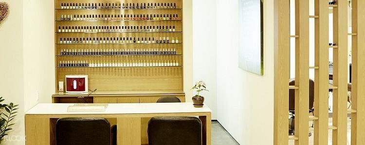 front desk of EL beauty salon