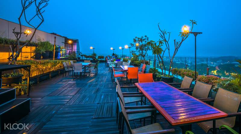 Up To 30 Off Romantic Staycation At The 101 Malang Oj Hotel 1 Night Stay With Rooftop Dinner Klook Singapore