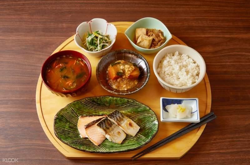 和苑三井花園飯店一泊二食,含APOLI套餐式晚餐及精緻日式自助早餐