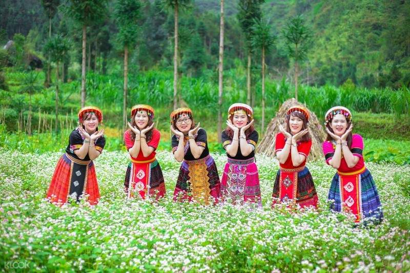 Ha Giang Tour from Hanoi, Boating on Nho Que River