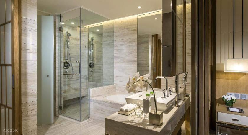 phòng tắm tại khách sạn  tại khách sạn InterContinental nha trang