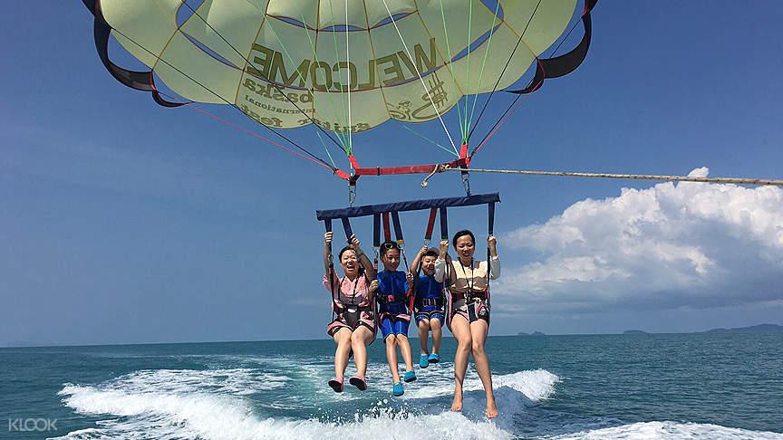 parasailing in thailand