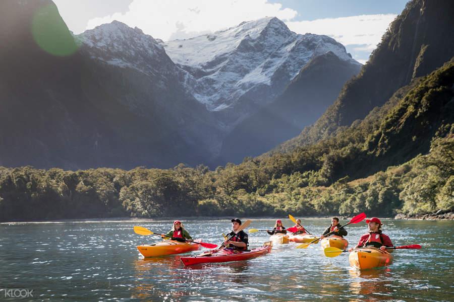 milford sound kayak new zealand