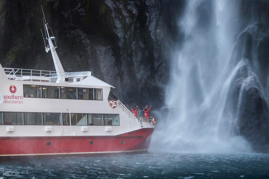 Milford Sound Nature Cruise at the Stirling Falls