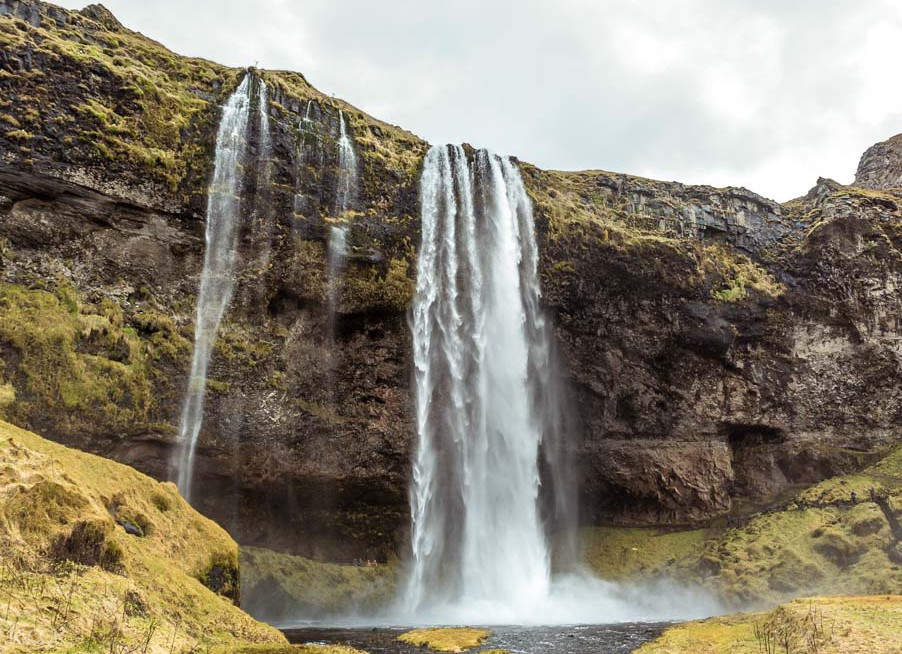 iceland waterfall tour