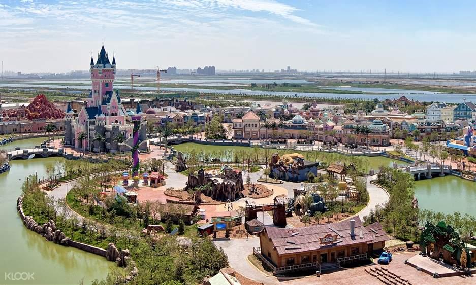aerial view of Fantawild Adventure Theme Park