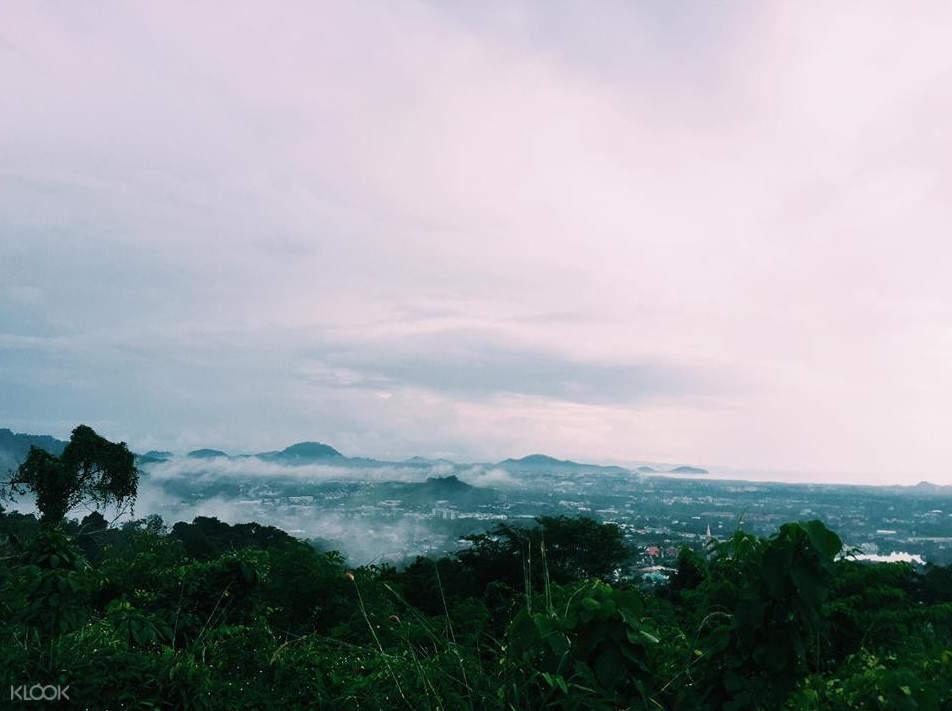 普吉岛山景
