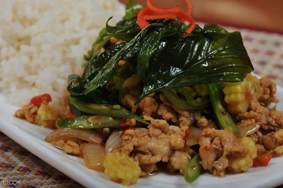 fried dish in thai chef school bangkok