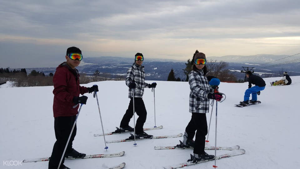 滋賀箱館山滑雪場一日體驗(大阪出發)