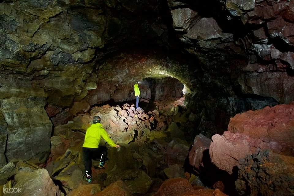 冰岛南岸一日游-秘密熔岩洞穴