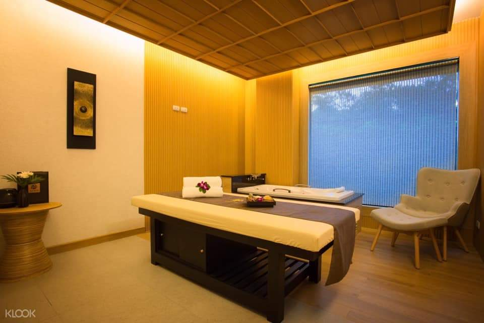 massage room and table at Varin Wellness and Spa