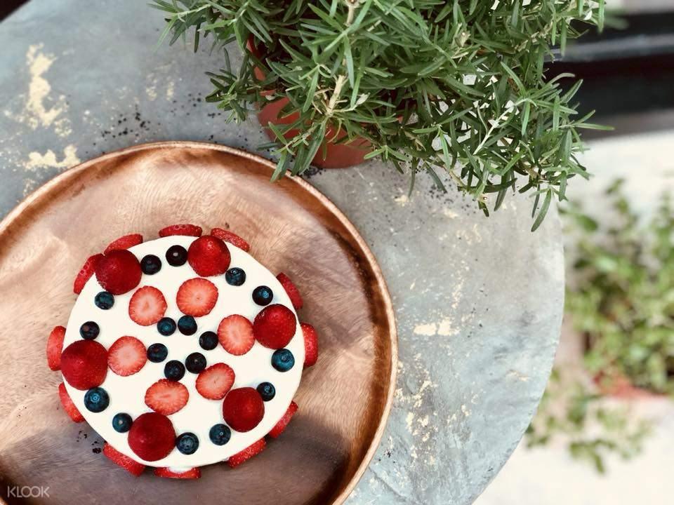 信义区Mucho Happiness咖啡 季节水果起司蛋糕