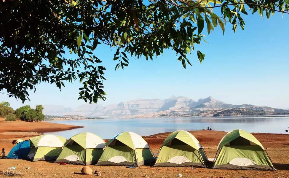 tent near the lake