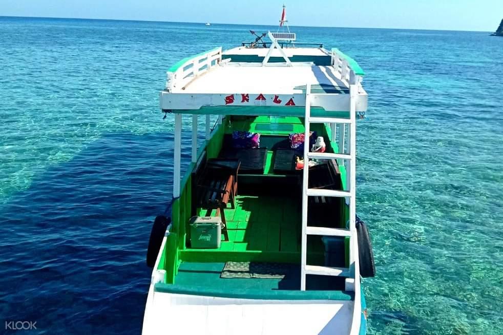 open deck boat