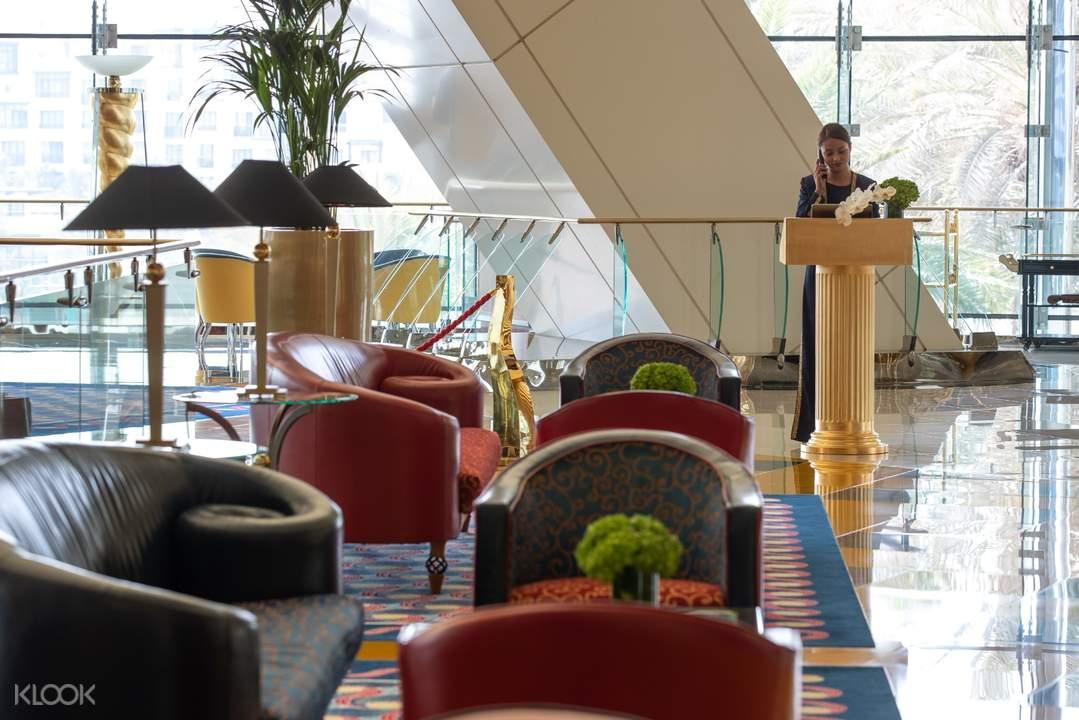 杜拜帆船飯店Sahn Eddar餐廳體驗
