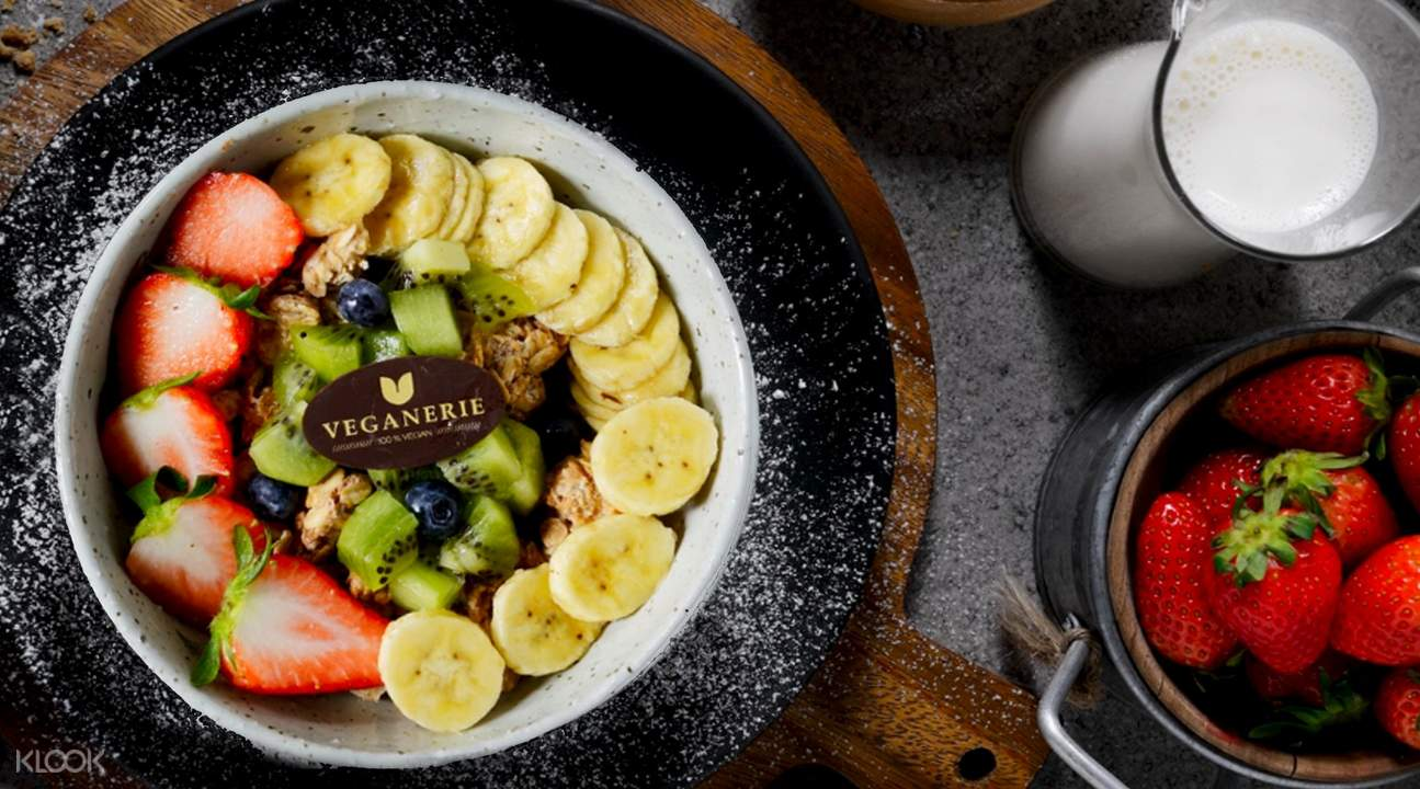 veganerie smoothie bowl at Veganerie in Phorm Phong, Silom Complex, and Mercury Ville