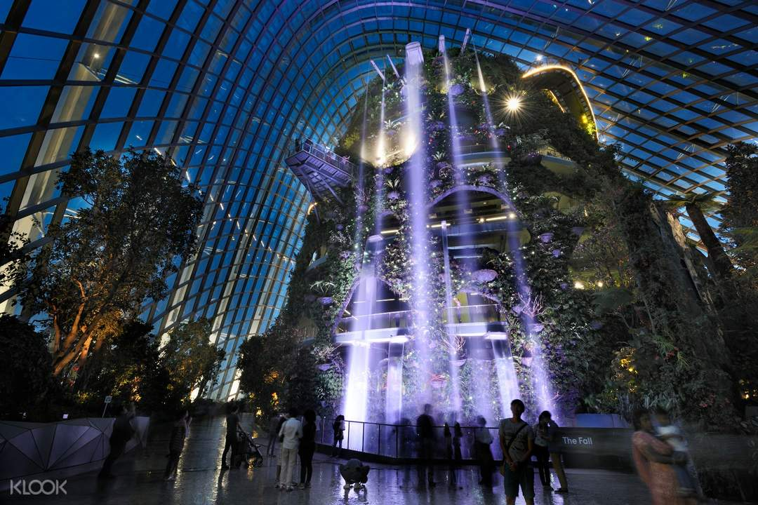 interior of Singapore Flyer Gardens by the Bay