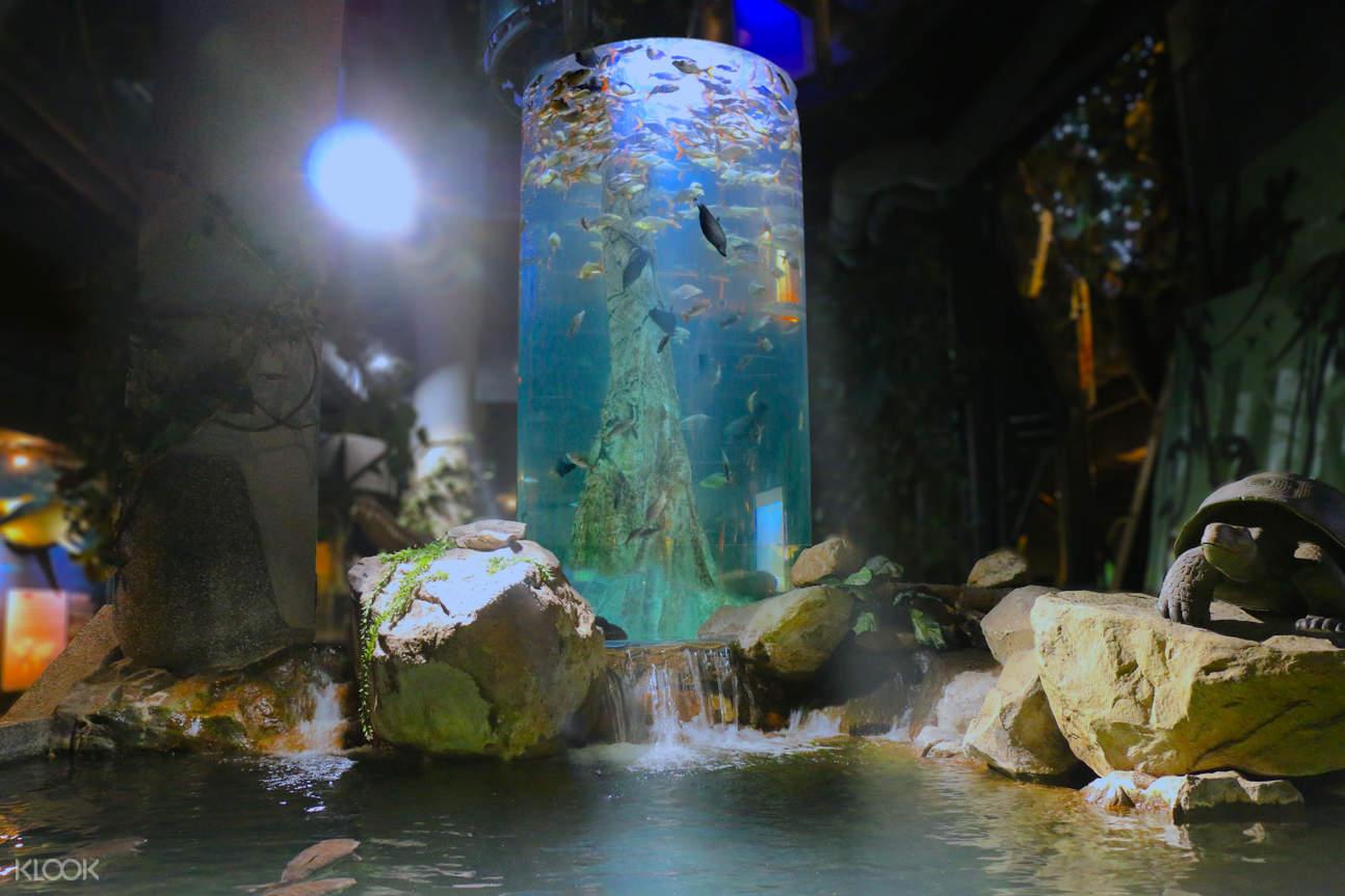 Aquaria KLCC interior