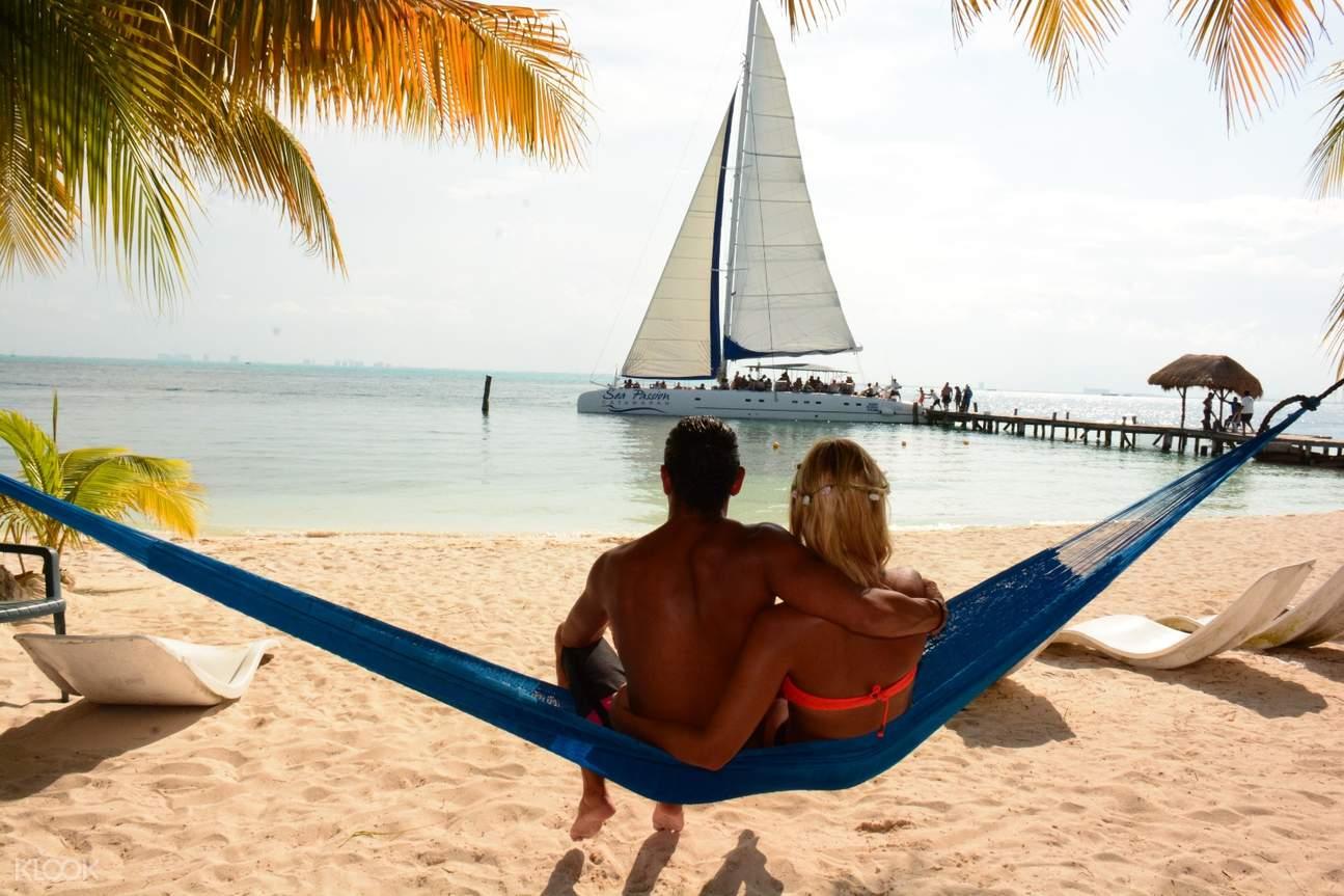 White-sand beaches in Isla Mujeres