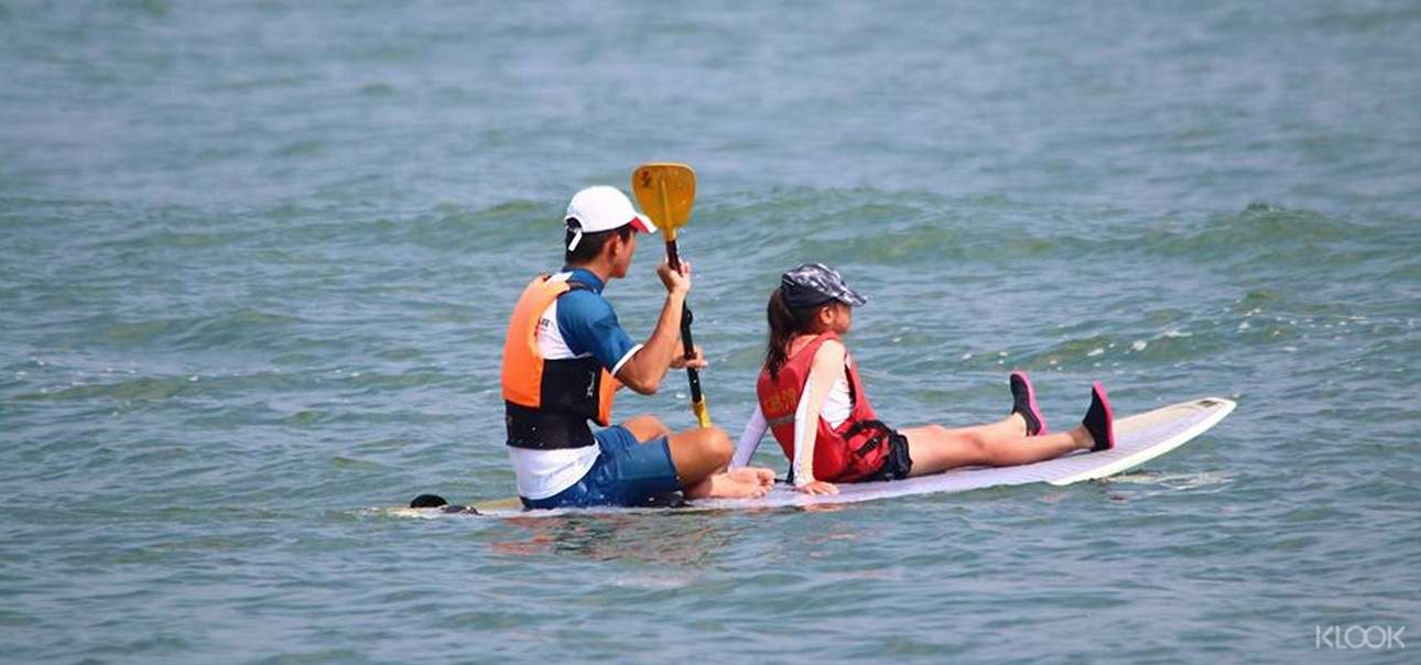 與親友或家人一同享受美景的同時,體驗在海上漂浮的樂趣