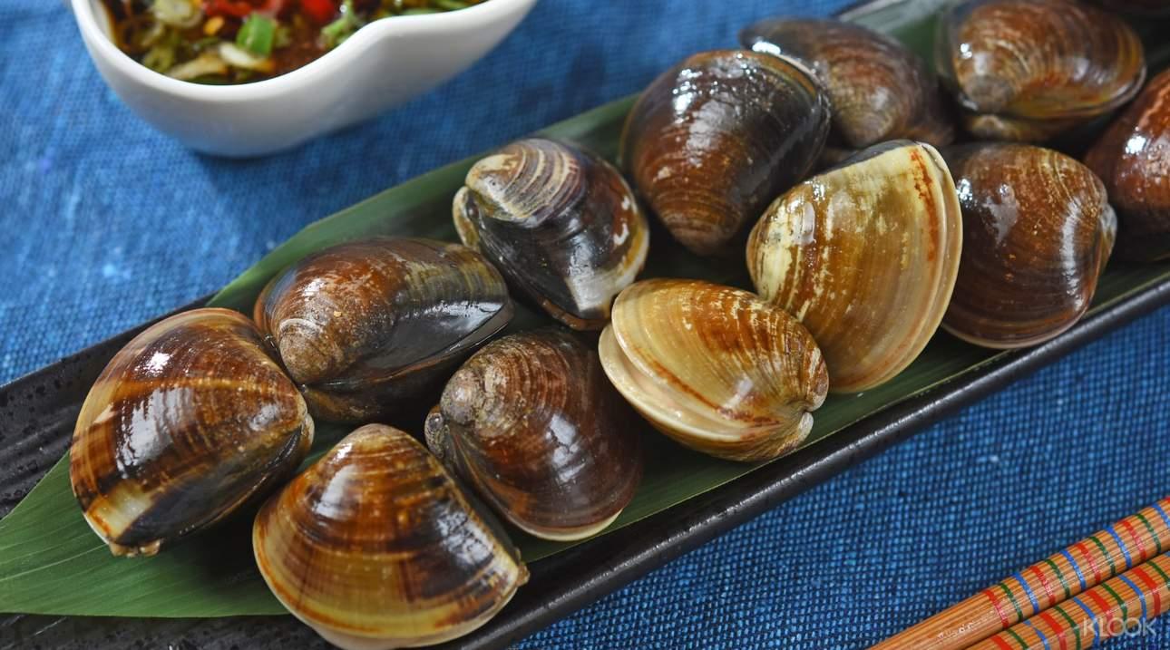 品嚐肥美多汁的大蛤蠣