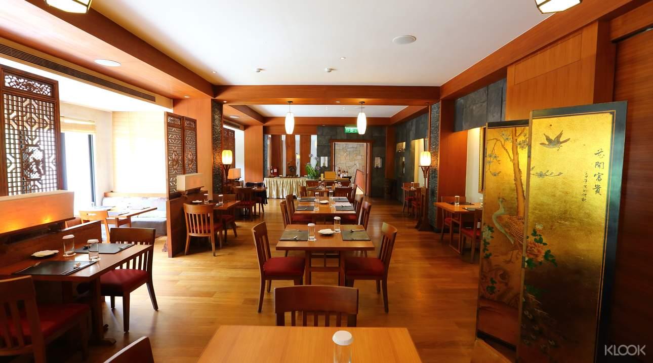 在私人湯屋享用下午茶,感受靜謐精緻的用餐環境