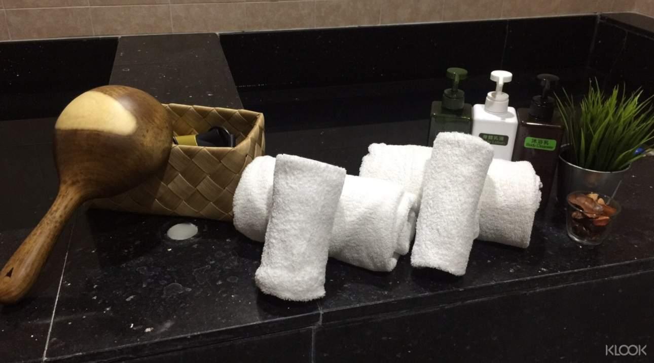 本館提供毛巾、盥洗用品、乳液等用品!