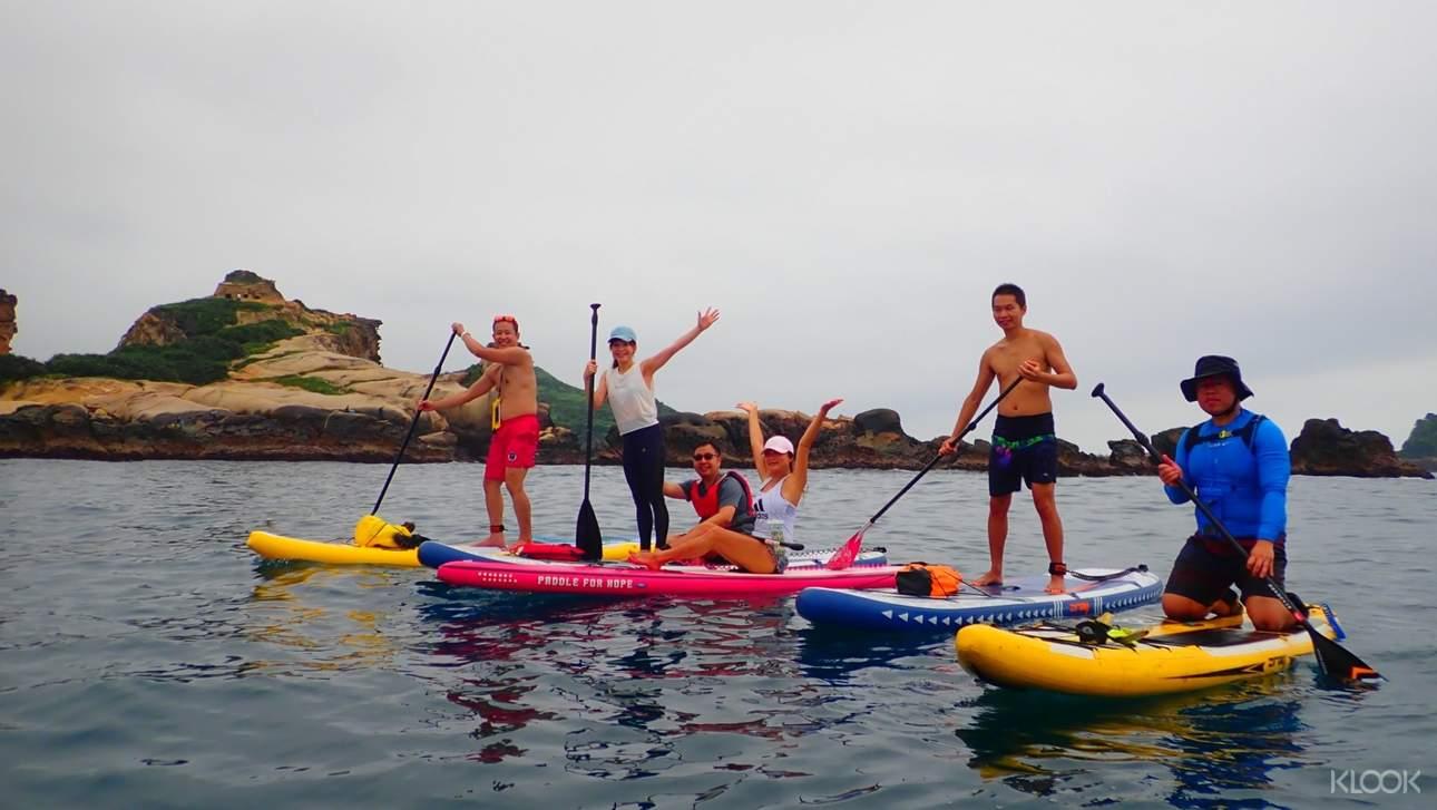 相揪你的親朋好友一同體驗SUP立式划槳,共享歡樂時光