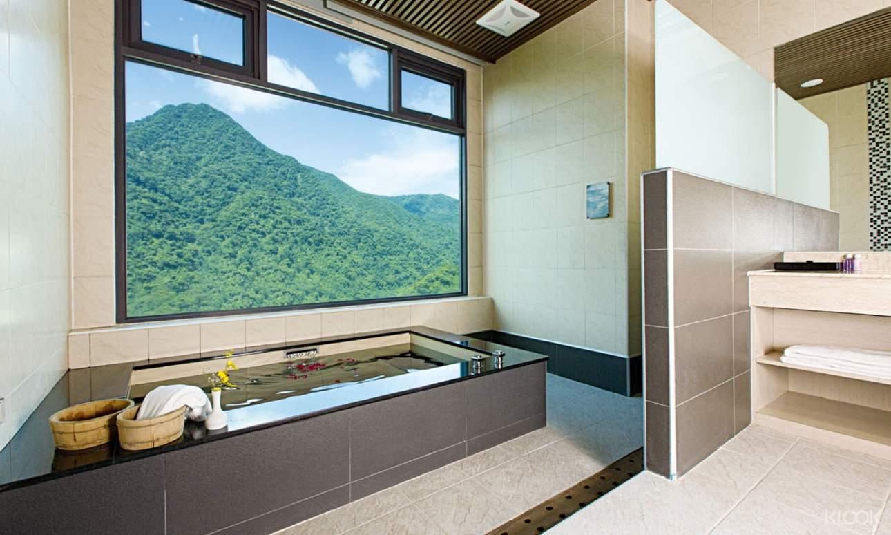 除了在房裡欣賞美景外,也可以選擇一日遊方案