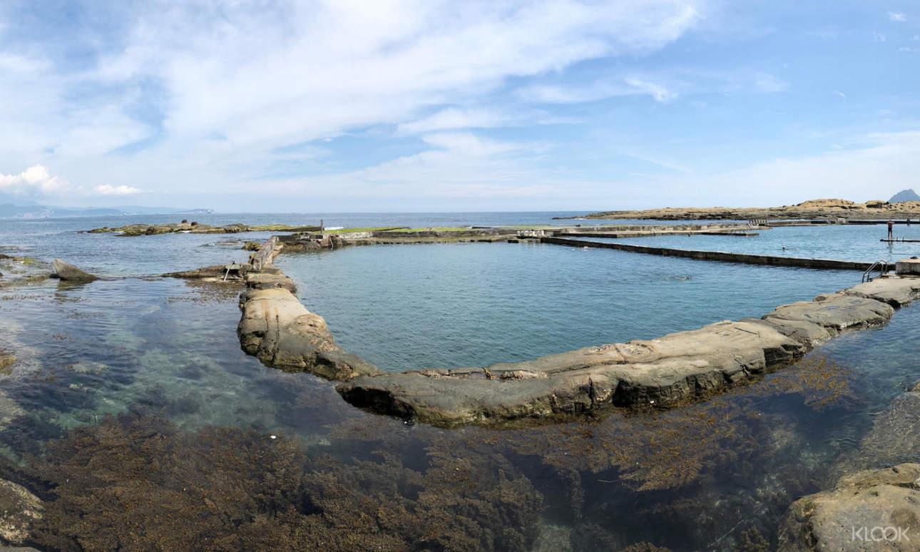 享受在戶外水池親子共游的樂趣,或到海水游泳池與海洋生物一同悠遊