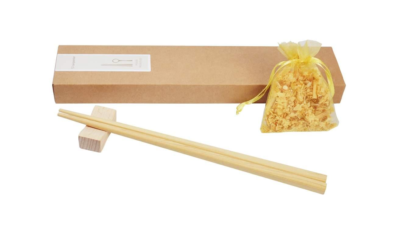 學習如何從頭製作木製餐具,例如檜木筷子