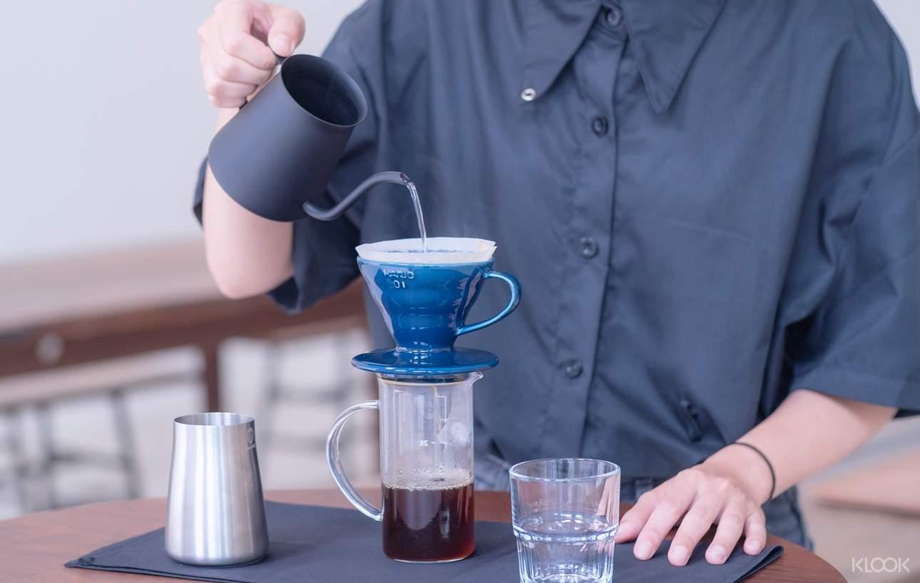 這杯好像沖的很淡?這杯好像喝起來有點空洞?課程中學習怎麼沖好一杯咖啡