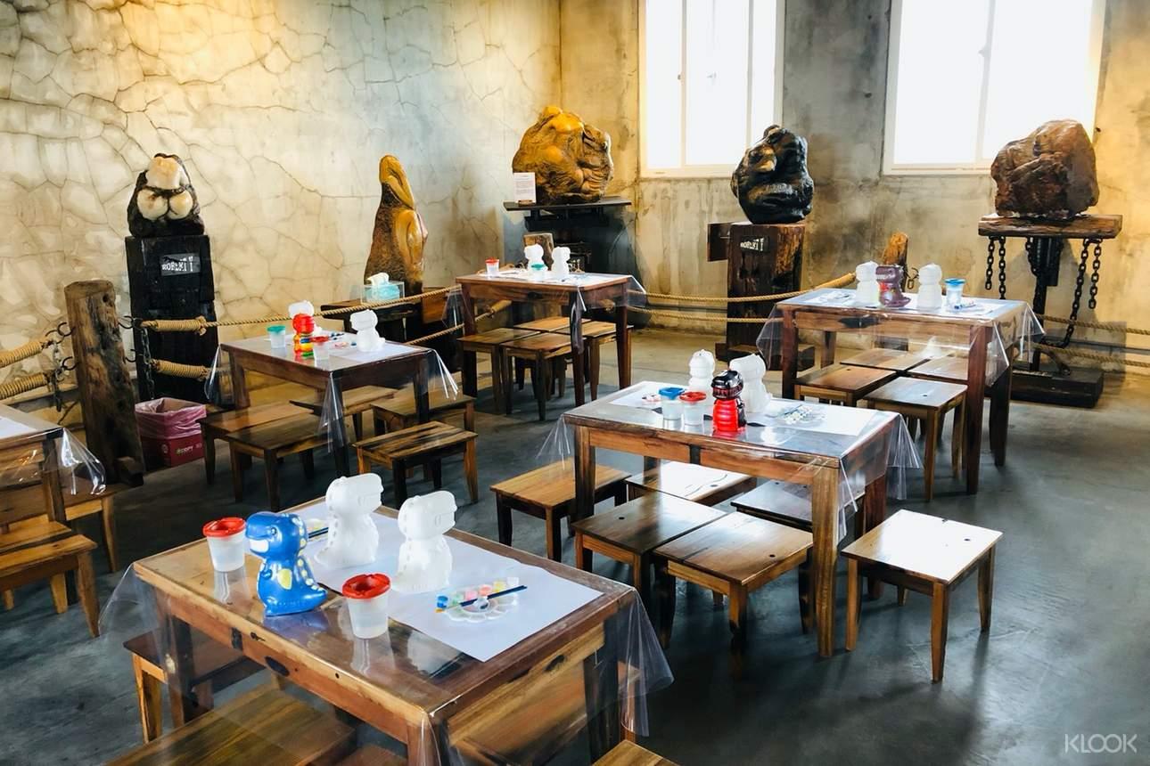廢墟風博物館使用古老沉船木打造藝術園區,共有16個主題展區